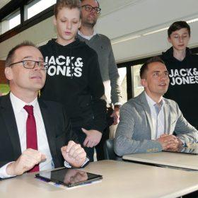 Belm-Christian-Schiffbänker-Kultusminister-Tonne_web